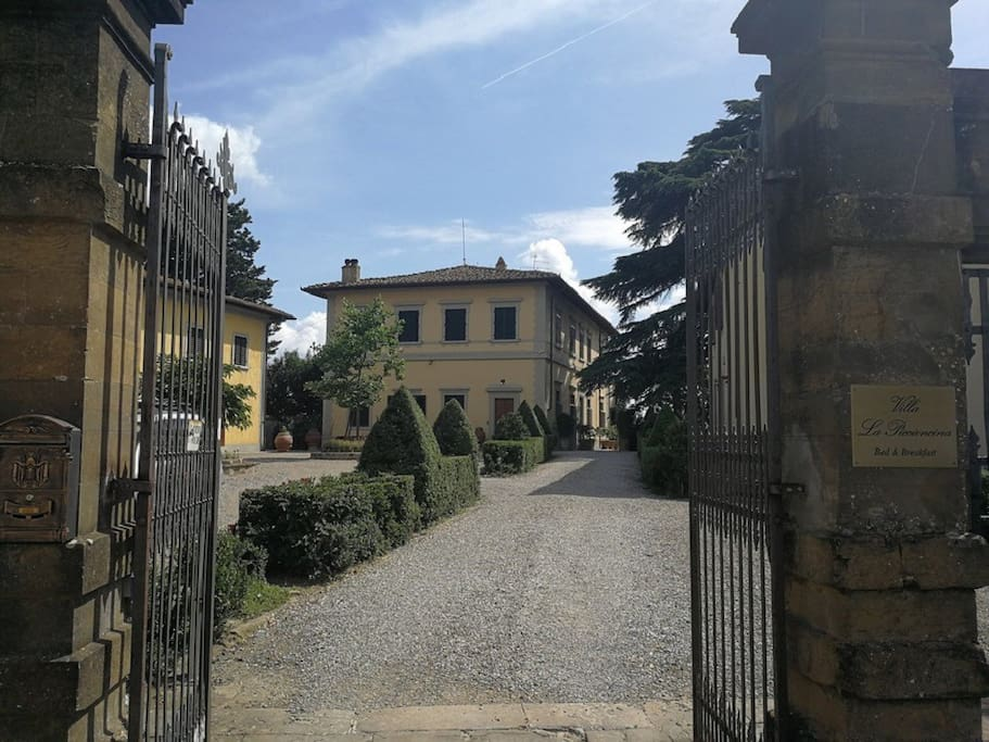 The entrance of Villa La Piccioncina