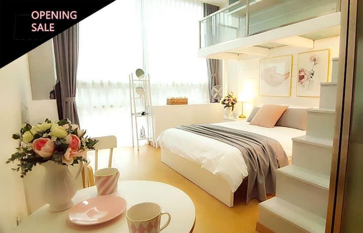 [Myeong-dong] Pink House (자가격리 가능)