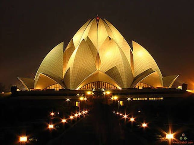 Near major attraction Lotus Temple - New Delhi - Leilighet
