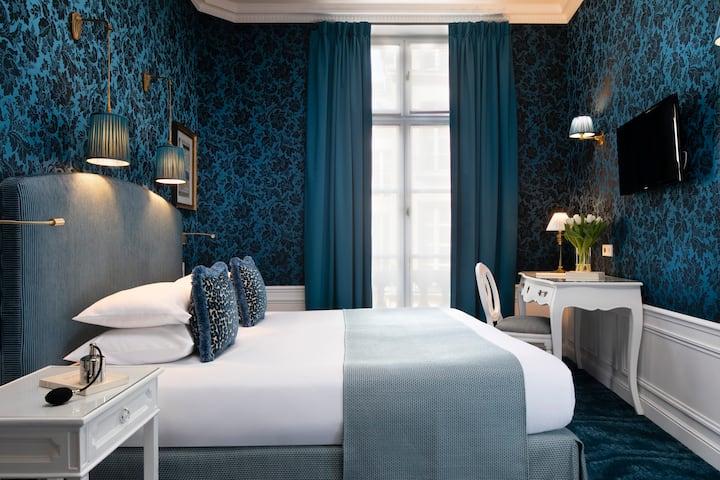 Luxury room in the heart of Saint-Germain