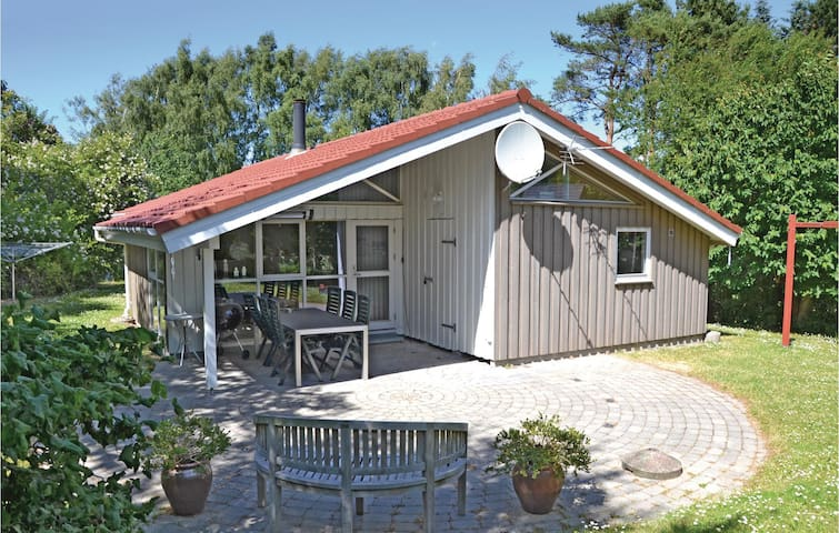 Holiday cottage with 3 bedrooms on 98m² in Vejby