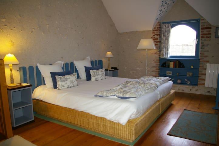 La Source de Bury, Duplex room - Chambon-sur-Cisse - Bed & Breakfast
