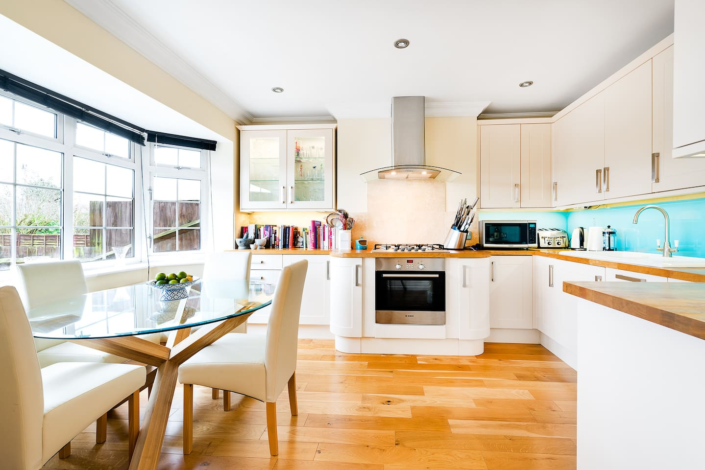 Fully kitchen with views to front of house.