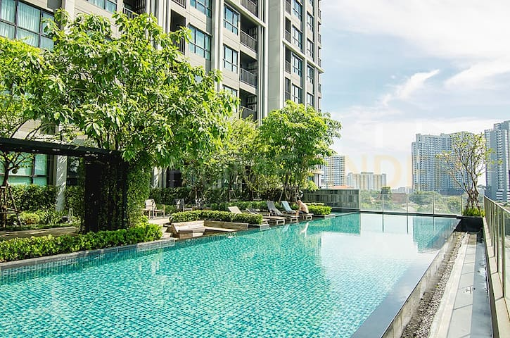 Beautiful condo in Bangkok's best community!
