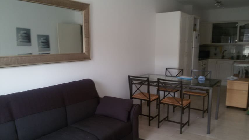 Comfortable two bedroom flat - Gibraltar - Apartment