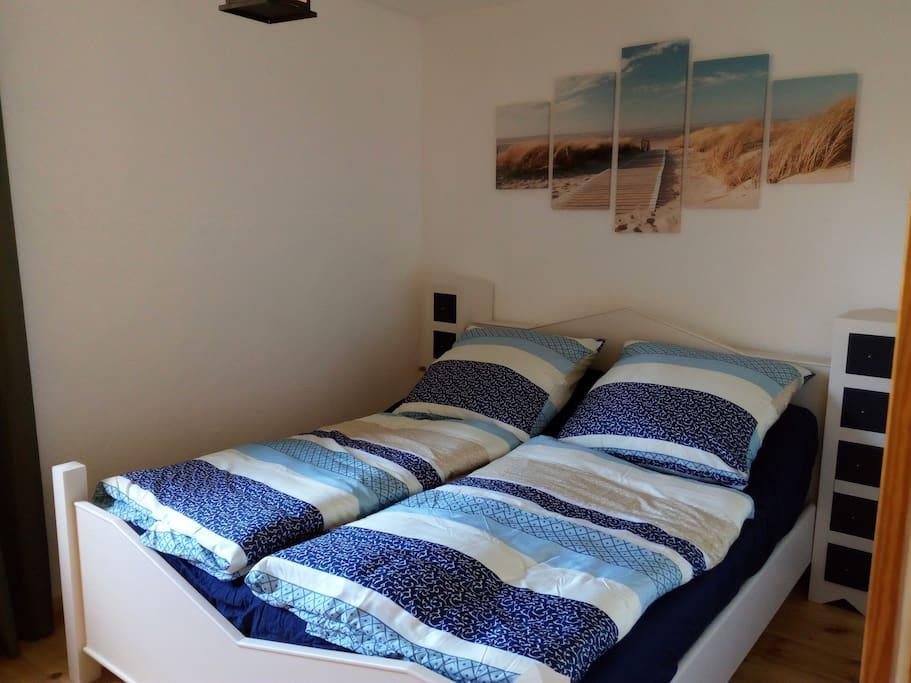 Schlafzimmer Doppelbett 180 x 200 cm