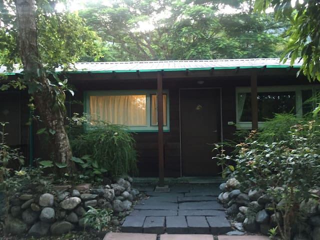 欣綠石頭屋四人房-免費夜觀導覽