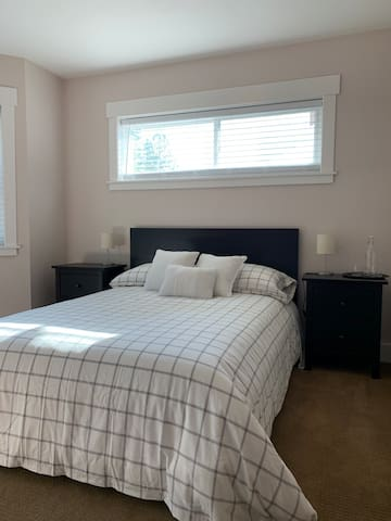 2nd bedroom double bed
