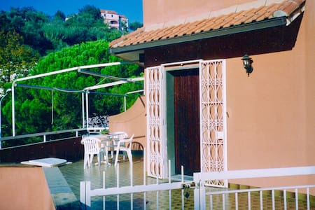 Casa-Appartamento tranquillo vicino al mare - Celle Ligure