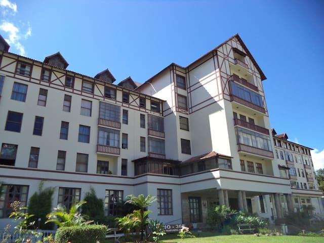 O charme de um hotel cassino em Terê - Teresópolis - Apartamento