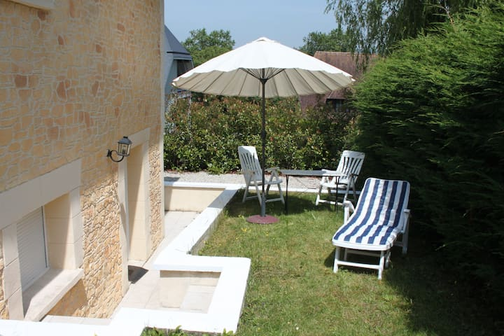 joli studio sur jardin - Saint-Arnoult - Lägenhet