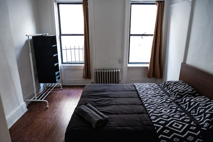 Luxury Spacious Room very close to Times Square