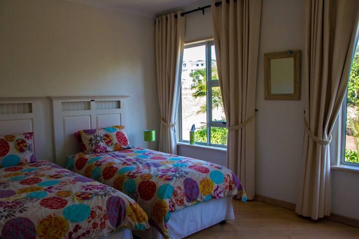 Bedroom, 2 Singles, Ensuite