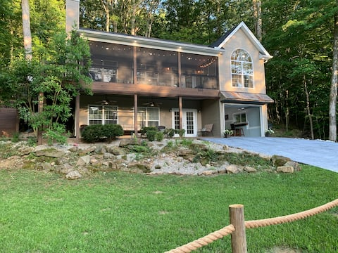 Hawk's Nest-Luxury Lake House on Nolin Lake