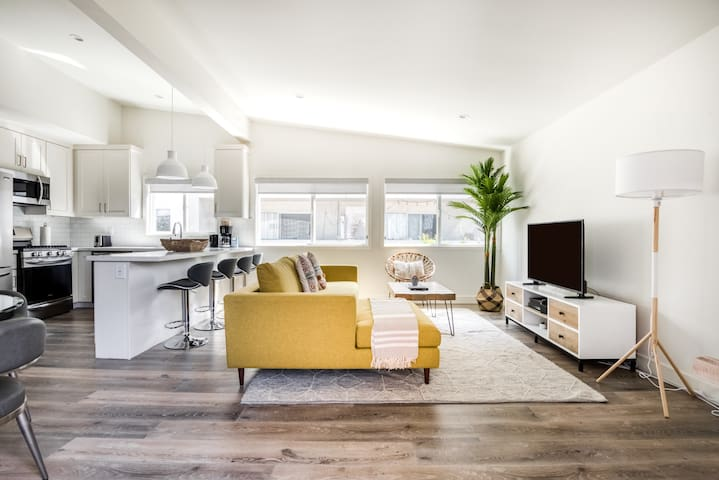Charming 2BR in Redondo Beach + Pet-Friendly