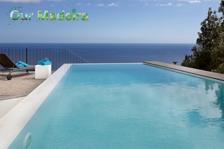 Overlooking Calheta Beach, quality private villa, heated pool | Casa Do Julio