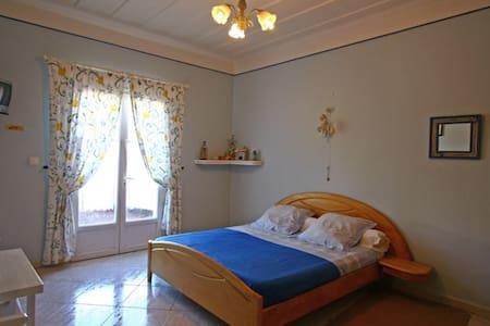 l'Echelle chambre bleue ocean