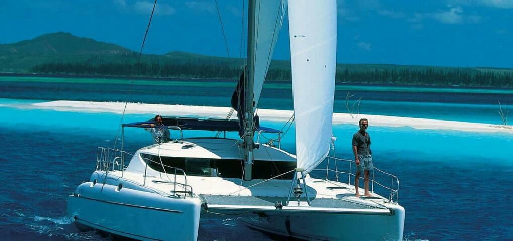 Superbe catamaran de 12 m tout conf - Ajaccio - Bed & Breakfast