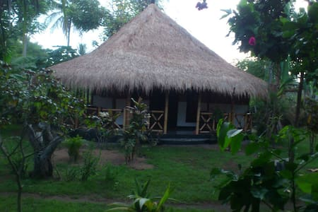 Utopia homestay 2 - gili air - Bed & Breakfast