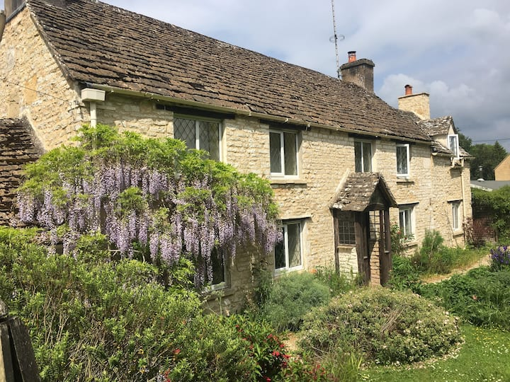 Classic Cotswold Cottage 1/2 acre V Quiet Fibre