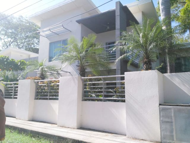 NIce Condo 300 meters from the beach