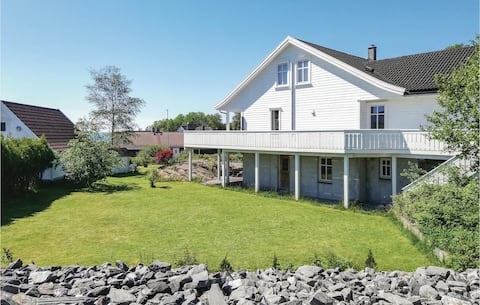 Beautiful home in Mosterhamn with WiFi and 3 Bedrooms