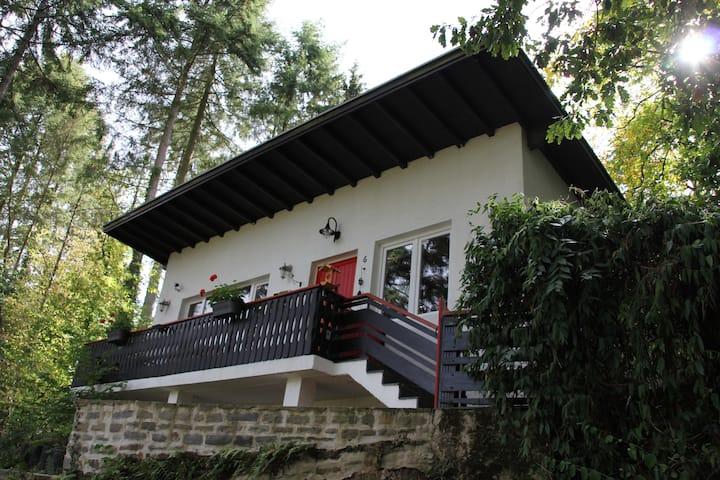 The Vianden Cottage - Charming Forest Cottage