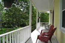 River Ridge Lodge-Peaceful Comfort by the River 2