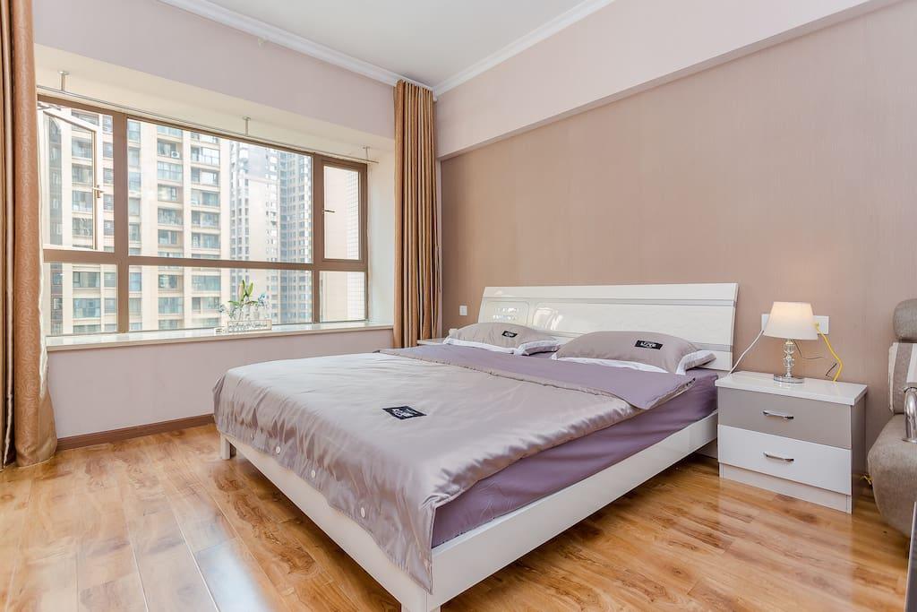 卧室2米大床