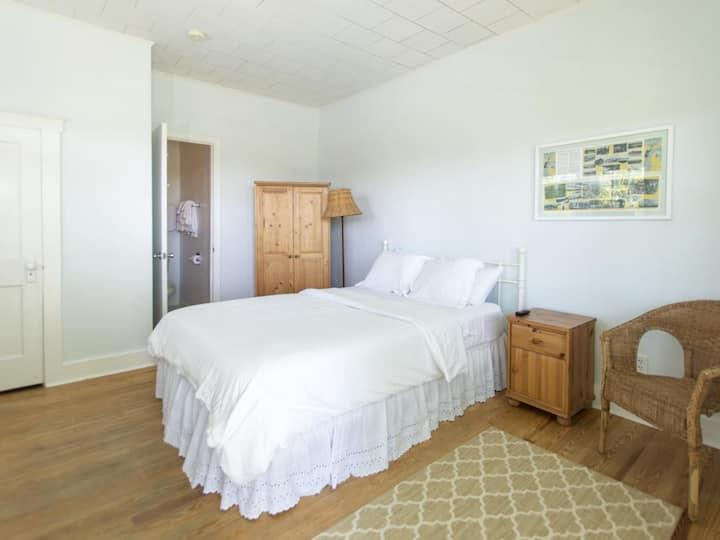 Beach House 2nd Floor Single Room