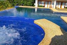 Infinity pool 12x6 m with jacuzzi