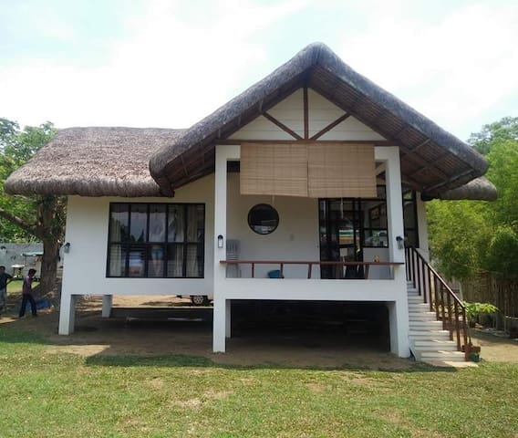 Batalang Bato Beach House- Private. Anilao Mabini