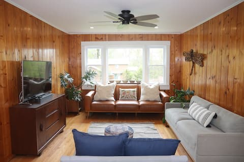 Blue House in Smallwood NY 2-bed  in Catskill Mts
