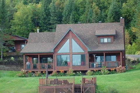 Magnifique maison bord de lac avec spa