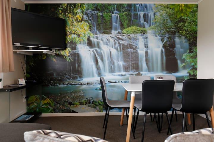 2 Bedroom Apartment at Aden Motel
