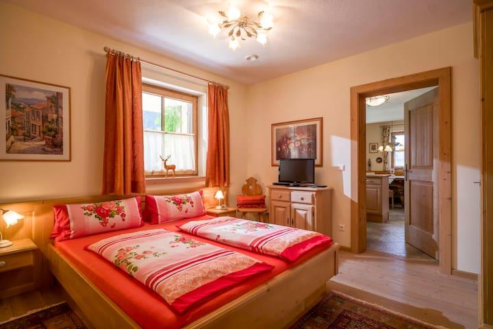 das dritte Schlafzimmer mit TV/DVD und eigenem Bad
