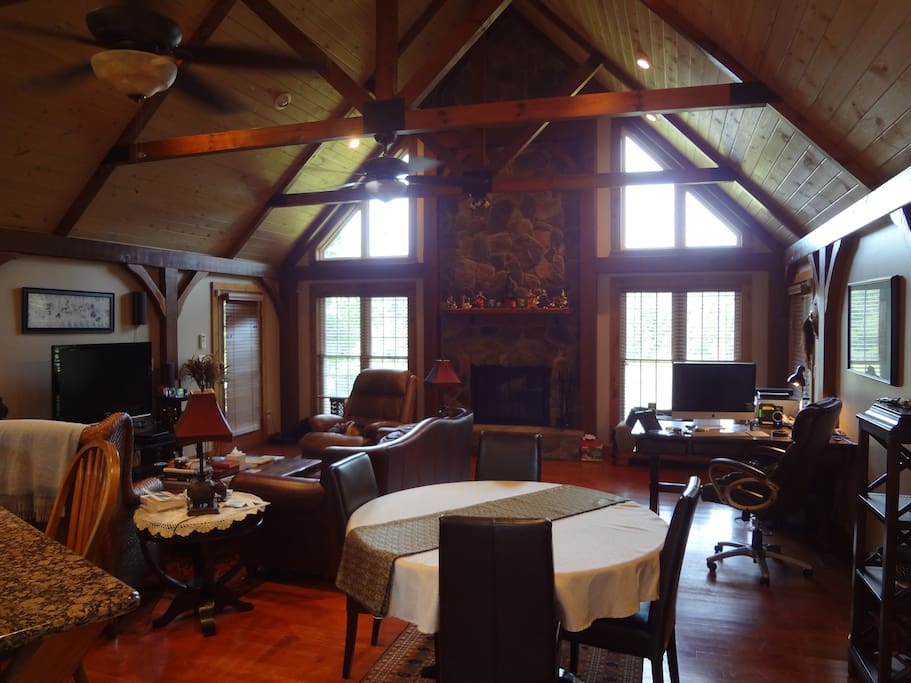 "Great Room with 18' vaulted ceiling & 60"" fans"