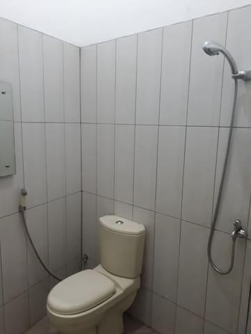 kamar mandi shower
