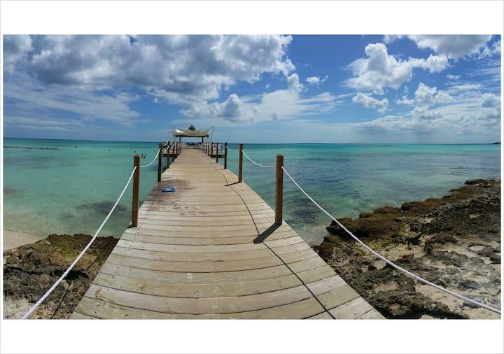 Cadaques Caribe resort