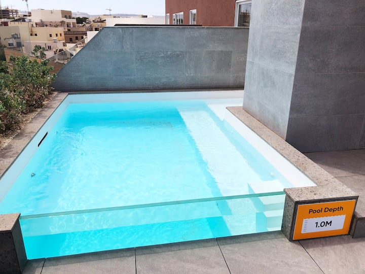 ★ Central LUX Apartment ★ w/ POOL & 25m² terrace ➞