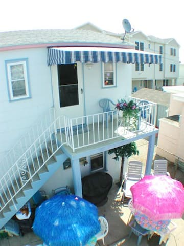 Beach Block Cottage - Wildwood - Apartment