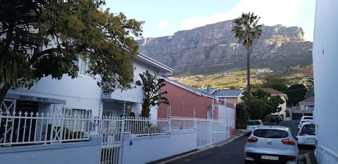 Table Mountain, magic and close