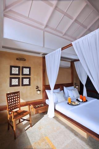 Garden  Villa Room 1 - Tikona Peth - Apartment
