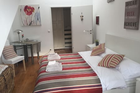 """Feel Good Apartment"" in Nussdorf, Vienna"