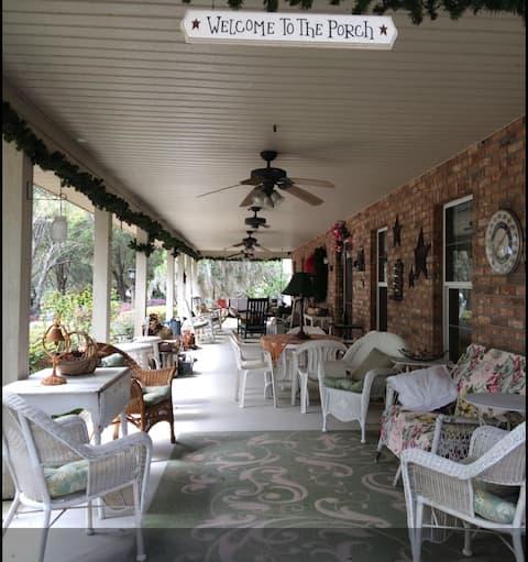 Tuckaway Inn  BR #2 'Old Florida'