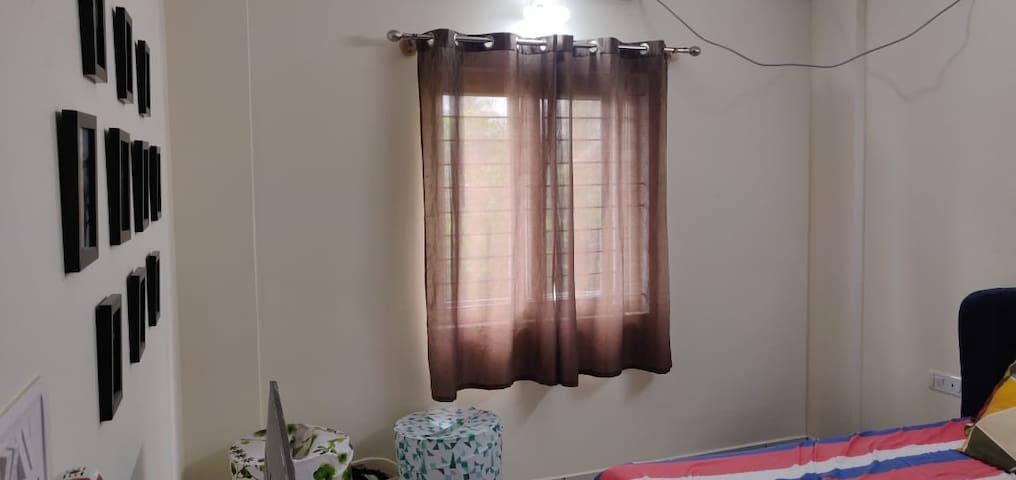Beautiful private room in Indiranagar