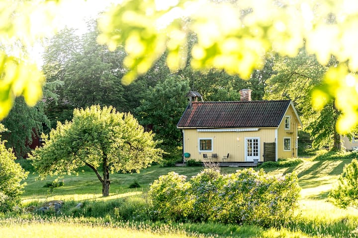Charming small house in beautiful Roslagen.