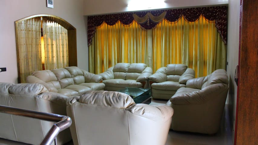 Fully Furnished Bungalow in Posh locality.