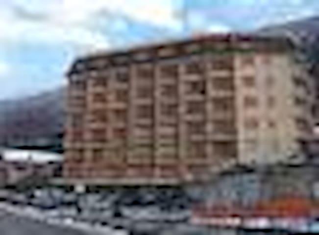 Monolocale con cucinotto separato  - Chiomonte - Apartamento