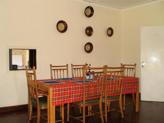 Dining area with service window to the kitchen